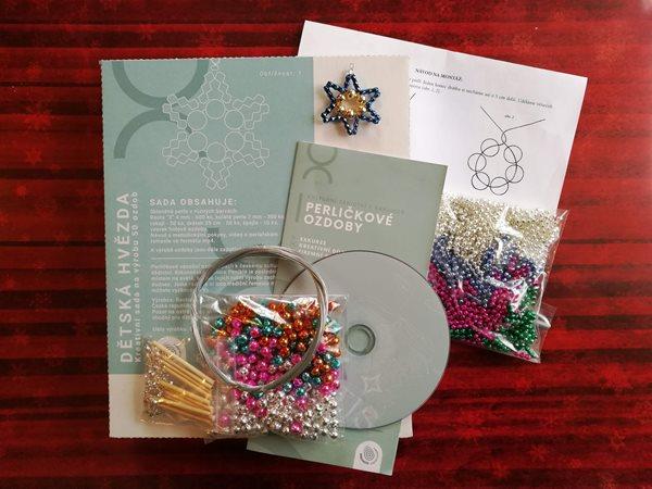 Velká sada na výrobu 50 ks ozdob z perliček - Vánoční hvězda