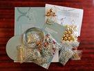 Velká sada na výrobu 50 ks ozdob z perliček - Andílek (7 x 4 cm)