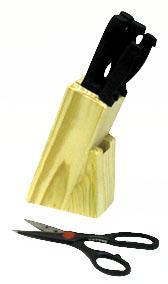 Špalek dřevěný s 5 ti noži a nůžkami