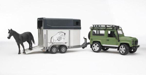 Land Rover s přívěsem pro přepravu koní včetně koně BRUDER