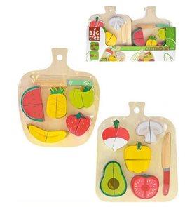 Deska dřevěná s krájecím ovocem nebo zeleninou, mix